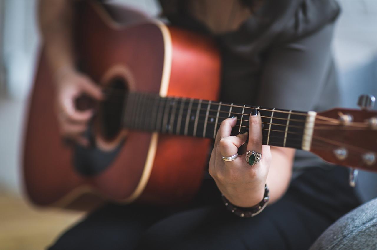 La tua chitarra tra le stelle